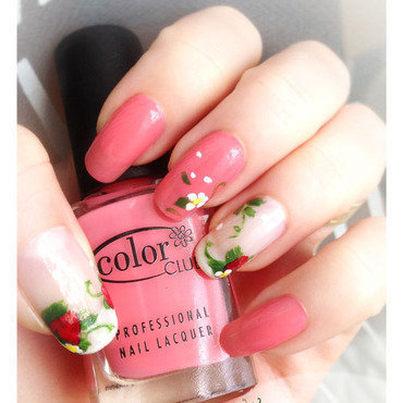 Strawberry Delight nail art by Bazavan Diana
