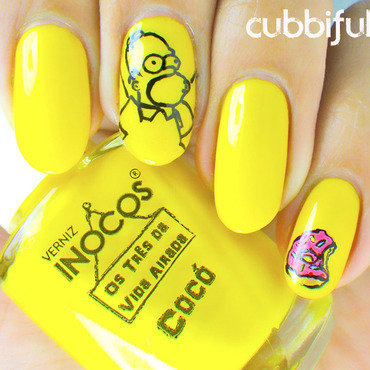 Homer says 'TGIF' with Inocos - solo shot nail art by Cubbiful