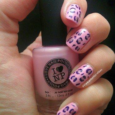 Holo Leopard Pattern nail art by Franziska FrankieHuntersNails