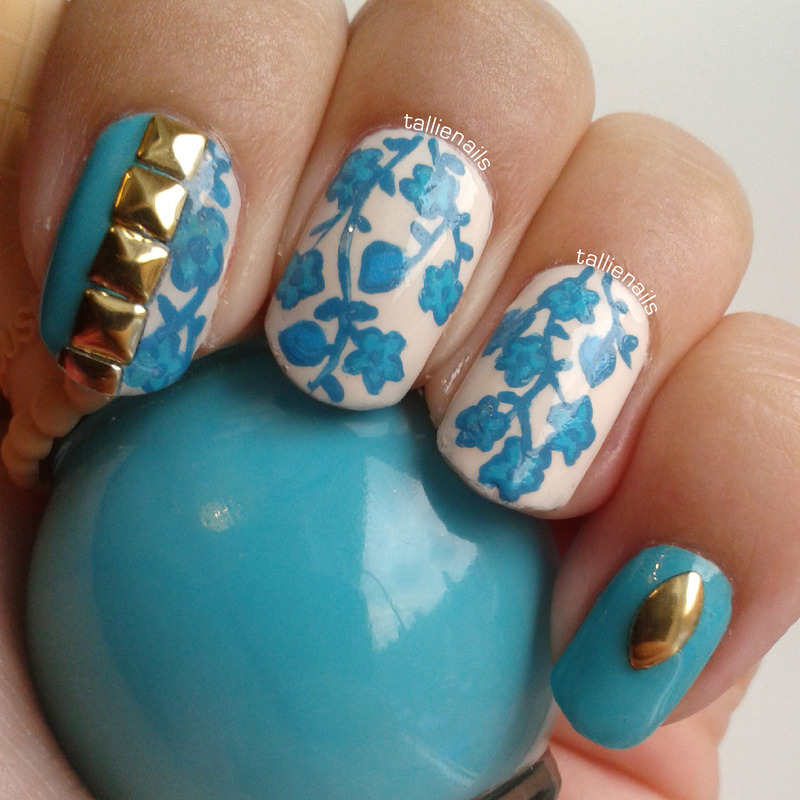 Blue Flowers nail art by Tallie