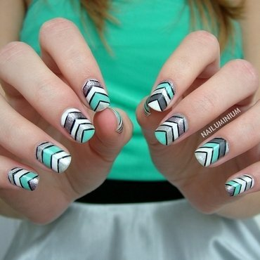 Matching Chevron nail art by Margee C.