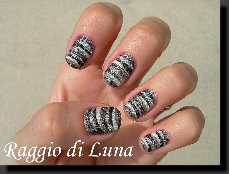 Textured grey & black & white nail art by Tanja