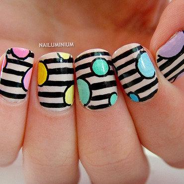 Geometric nails 20 1  thumb370f