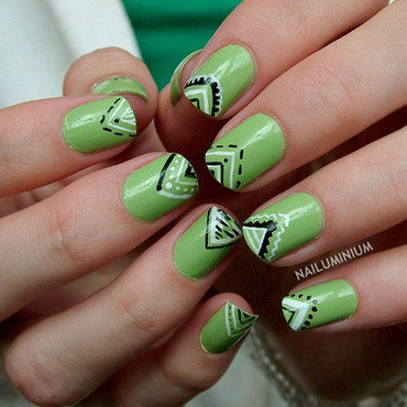 Green nails 20 4  thumb370f
