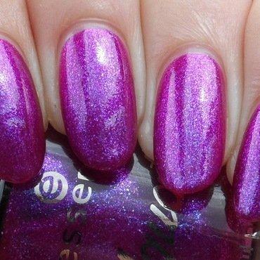 Swatch: essence - Mermaid's Secret by Plenty of Colors
