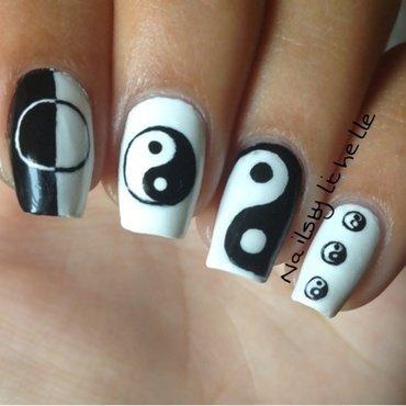 Yin Yang Nail Art nail art by Lichelle (NailsbyLichelle)
