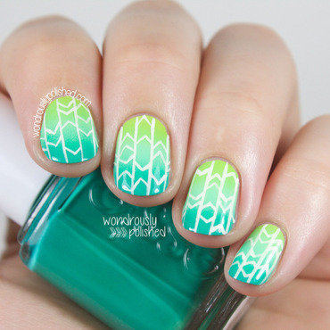 Wondrously polished green teal gradient ombre geometric nail art 202 thumb370f