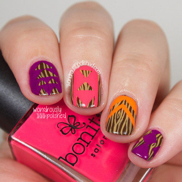 Wood Grain Neon nail art by Lindsey W