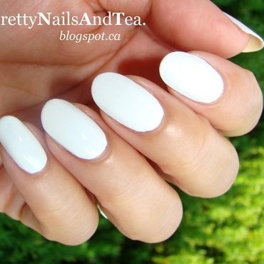 White Polish Swatch nail art by PrettyNailsAndTea