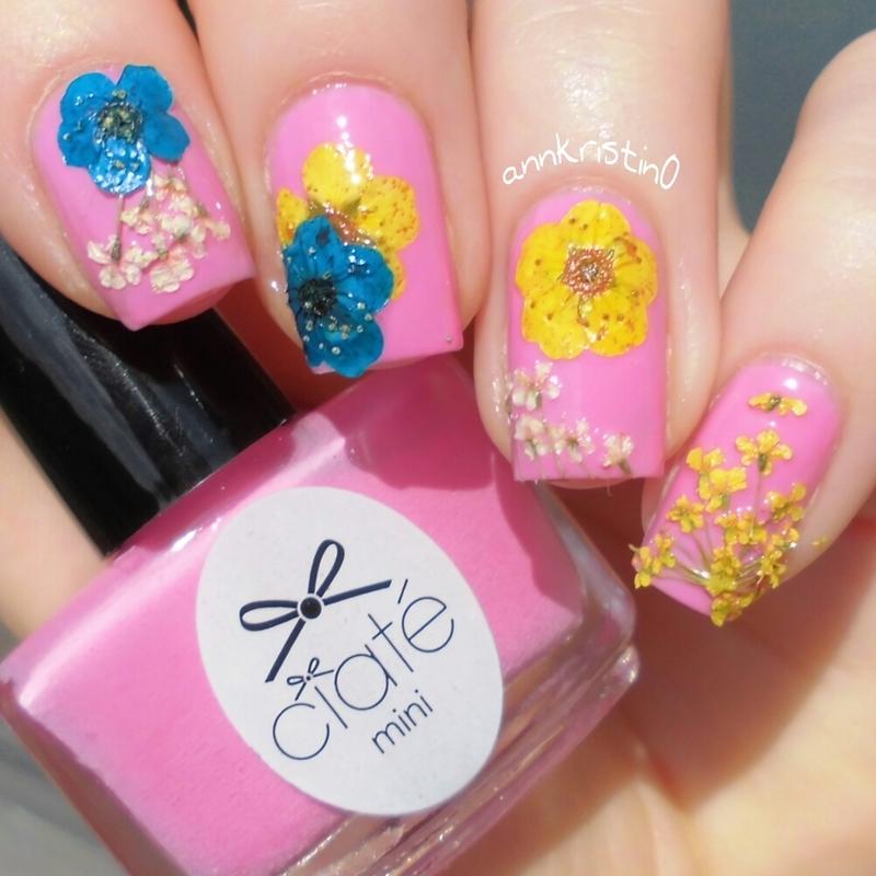 Ciaté Flower Manicure nail art by Ann-Kristin