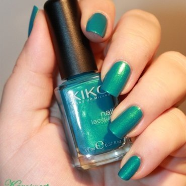 Kiko 527 Metallic emerald green Swatch by Karosweet