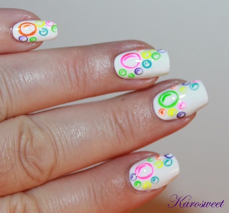 Nailstorming Bubbles nail art by Karosweet