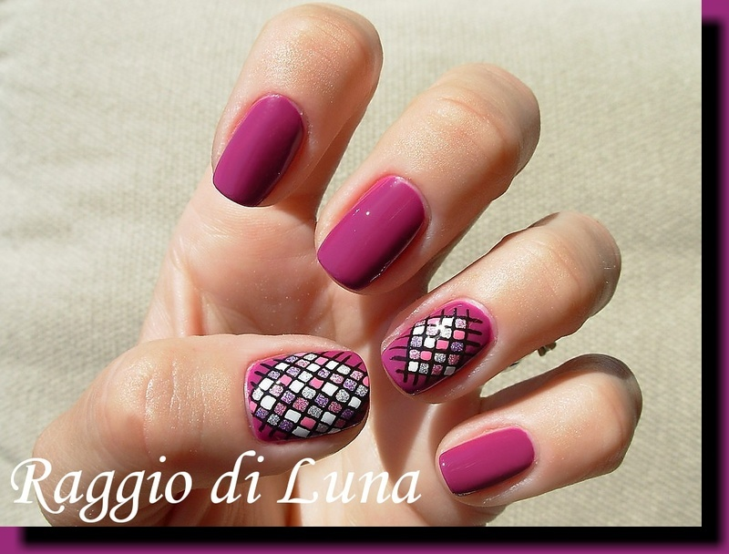 Crossing squares on purple nail art by Tanja