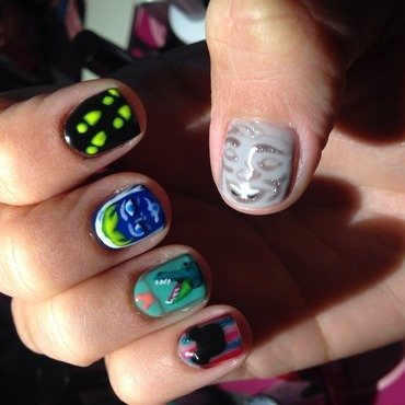The Haunted Mansion nail art by Vanessa Jenelle