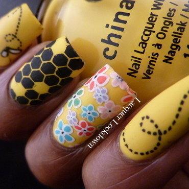 Bumblebee Spring Nail Art nail art by Tamira (Lacquer Lockdown)