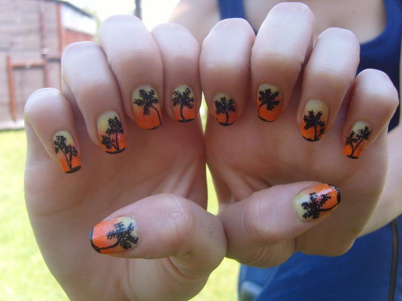 Palms ;) nail art by Lakierowniczka