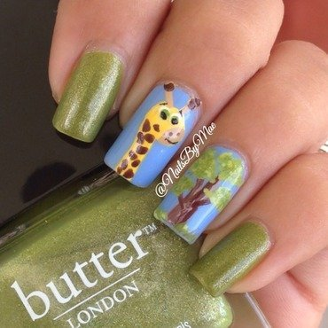 Giraffe Nails nail art by Sheily (NailsByMae)