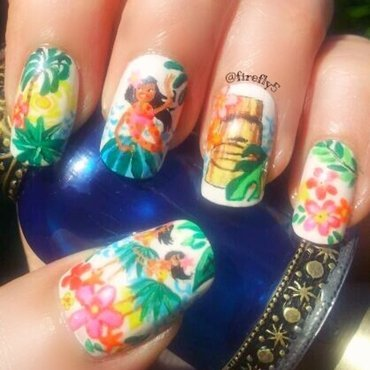 Hula Girls nail art by Ruth Cox (@firefly5)
