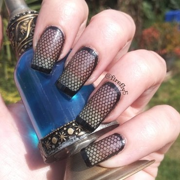 Fishnet nails nail art by Ruth Cox (@firefly5)