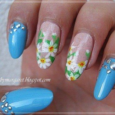 Stokrotki nail art by Margaret Nail Art