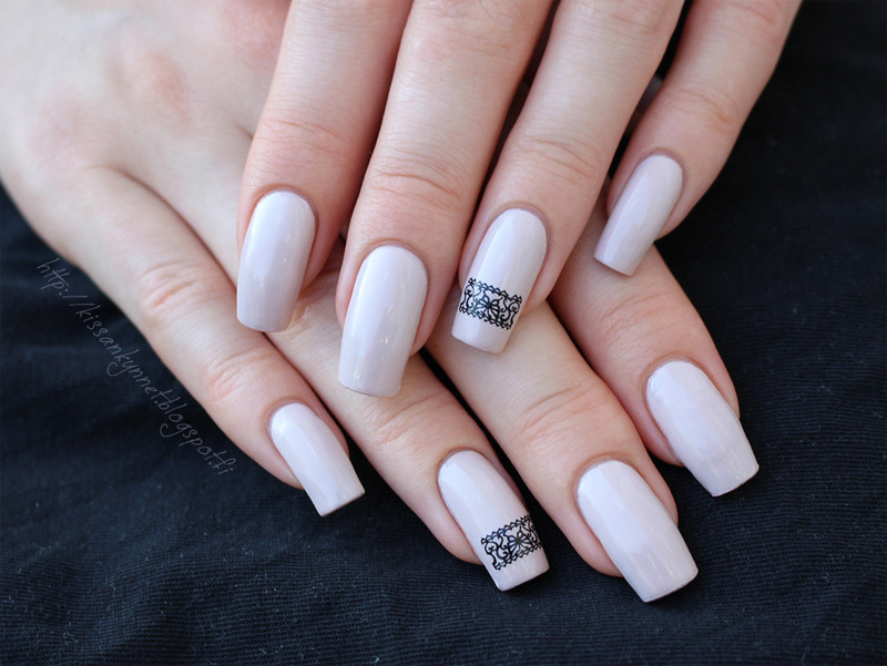 Delicate lace nail art by Yue
