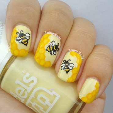 Bees and Honeycombs nail art by Tallie