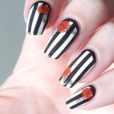 Nail art stripes beatle juice rayures noir blanc gothique baroque holy nailmatic bundle monster create your own water decal bornprettystore romantic roses rouges 5 thumb370f
