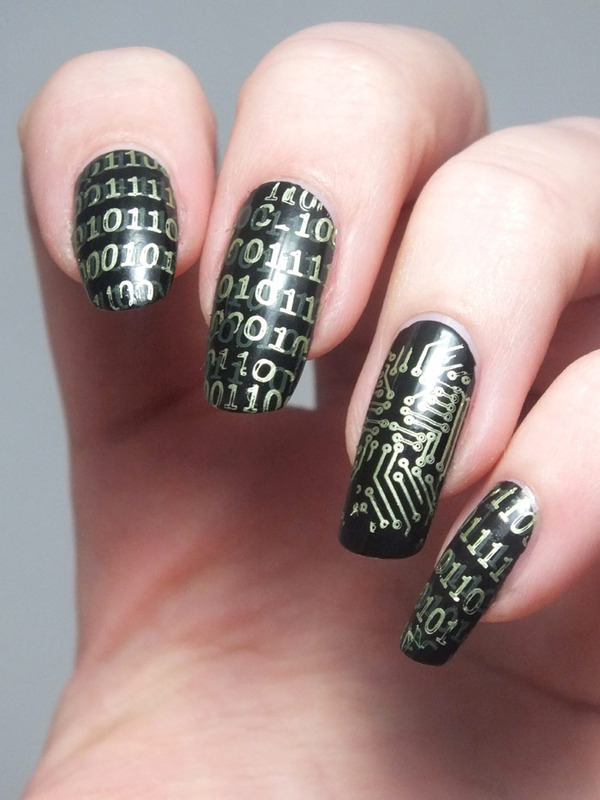Welcome in the matrix nail art by Tribulons
