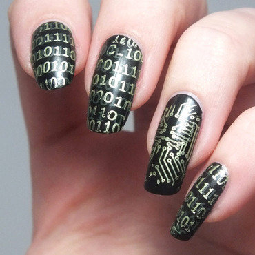 Manucure nail art geek nail polish vernis a ongles longs naturels noir elf eyeslipsface kiko mirror green vert matrix binaire circuits electriques create your own bundle monster 1 thumb370f