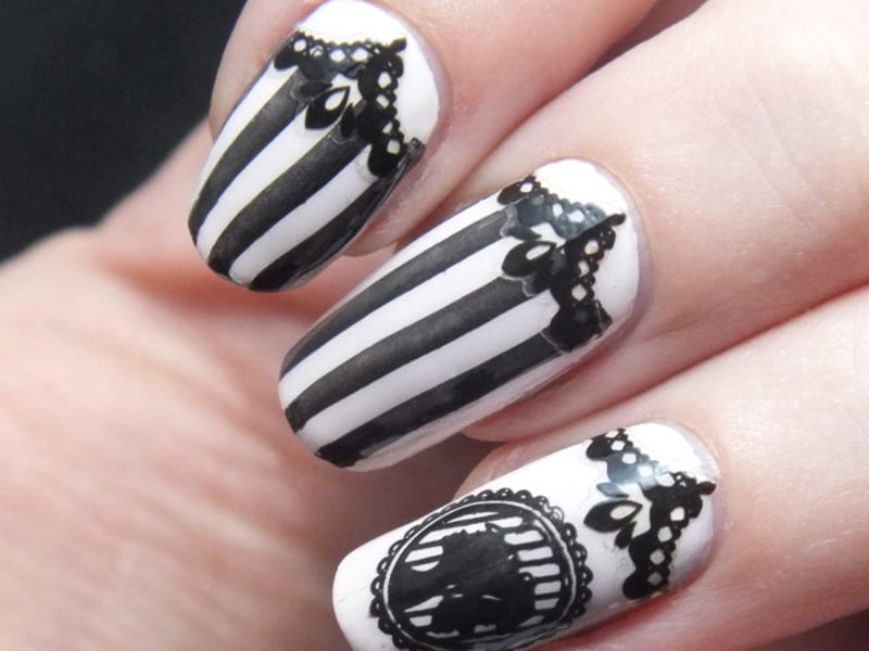 ongles baroques en noir et blanc nail art by tribulons. Black Bedroom Furniture Sets. Home Design Ideas