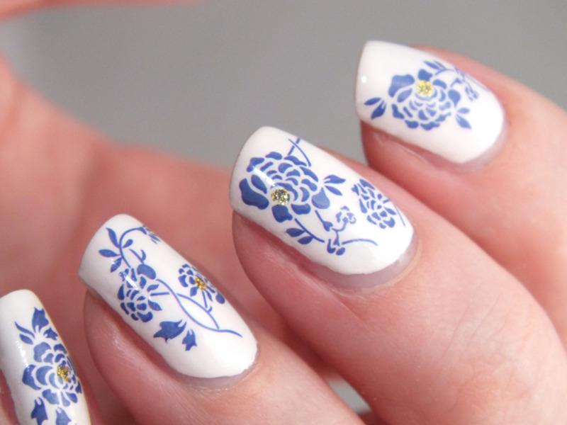 Porcelain nail art by Tribulons