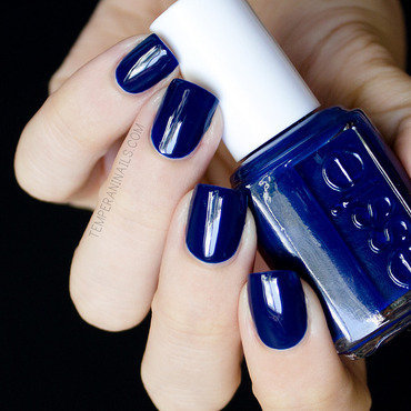 Essie Style Cartel Swatch by Temperani Nails