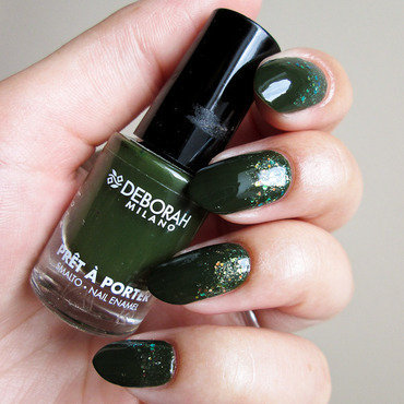 Green & glitter nail art by Yenotek