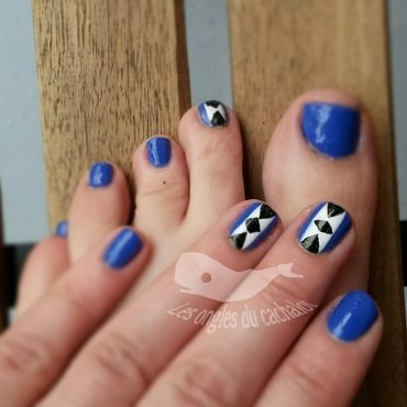 So blue  nail art by Cachalot