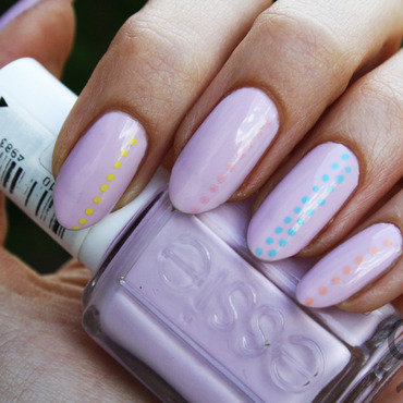 Pastel dots nail art by Pat