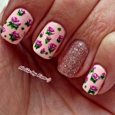 Vintage roses nail art by Ewa