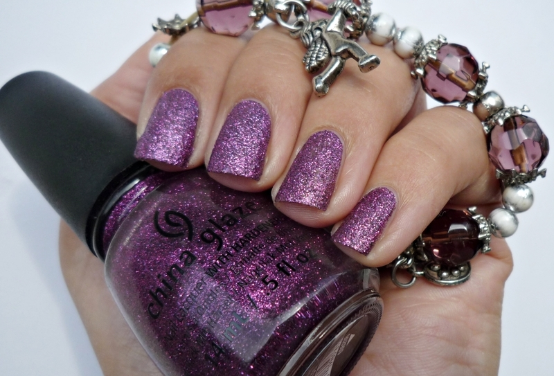 China Glaze Holiglaze Put a Bow on It Swatch by Romana