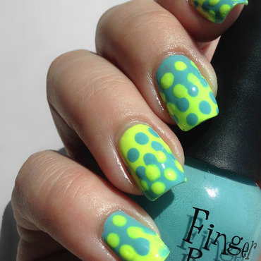 Lava Lamp Nails nail art by Katie