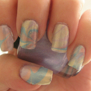 Ultra Holo Water Marbling nail art by Andi