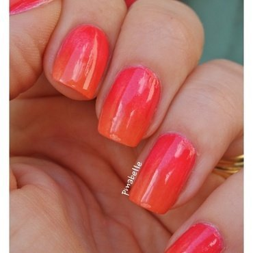 summer gradient nail art by Pmabelle