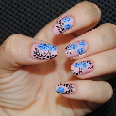 Blue roses nail art by Ditta