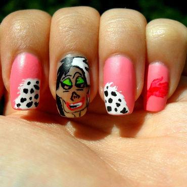 Cruella de Vil nail art by Teo