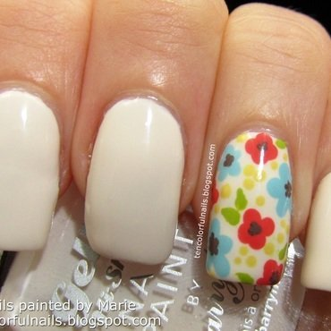 Flower 20accent 20manicure thumb370f