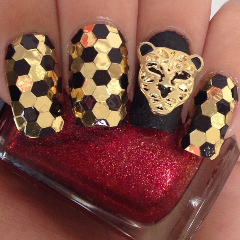 Jaguar or Leopard? nail art by Sparkly Nails by Spejldame