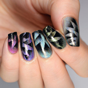 Abstract fireworks triple scaled gradient starburst nail art by simplynailogical