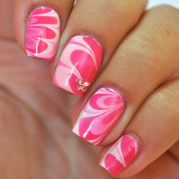#paintforlife watermarble nail art by Patricija Zokalj