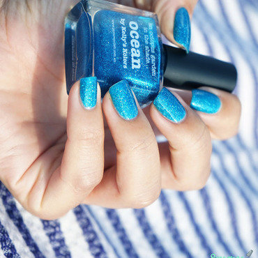 piCture pOlish ocean Swatch by Sweapee