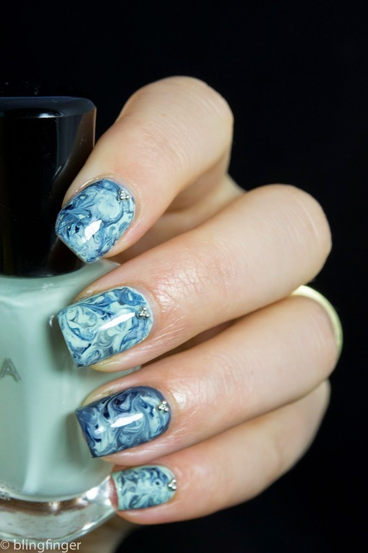 Marbled  nail art by  Petra  - Blingfinger