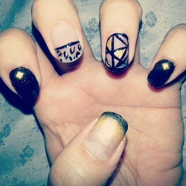 Modern Day Leo nail art by Tenticurl Creations