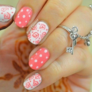 Hexagonal Spiral nail art by NailsContext